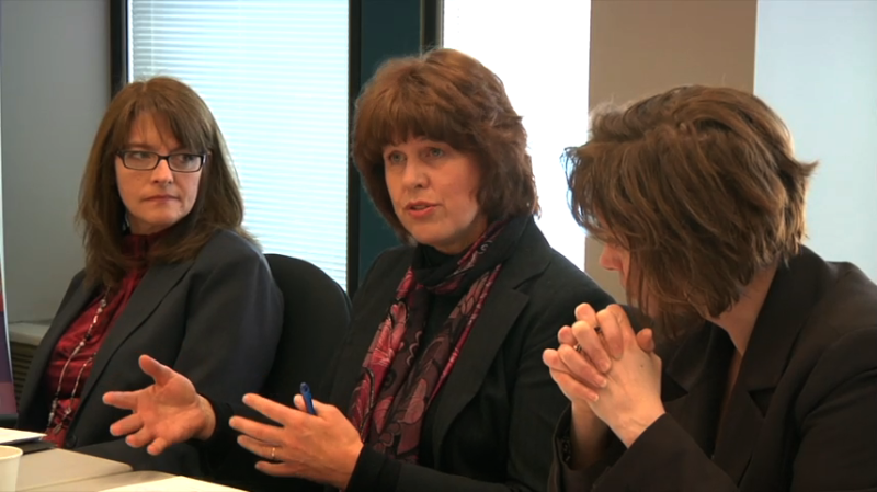 """Image d'éducatrices prise de la vidéo """"Partie D: Le Cadre pour le FLS comme catalyseur de discussion"""""""